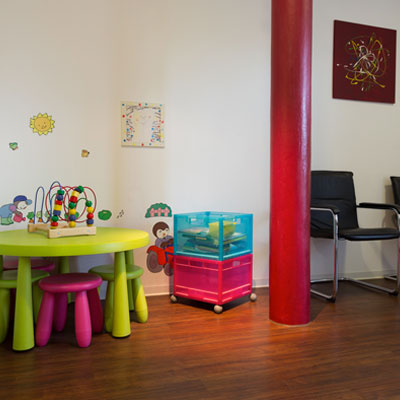Kinderspielecke im Wartezimmer – Zahnarztpraxis Grychtol – Ihr Zahnärzte in der Ostenallee 80 in Hamm.